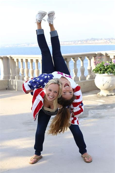 Beste Freunde Bilder Ideen by Best Friend Photoshoot With American Flag Jackets Poses