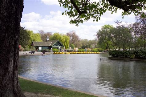 pedal boat central park boat and pedalo hire the regent s park the royal parks