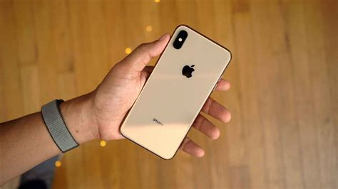 iphone xs max includes display zoom accessibility feature unlike iphone x and xs
