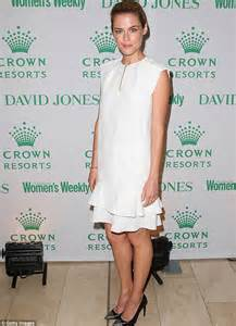 rachael taylor british model rachael taylor bravely speaks out about domestic violence