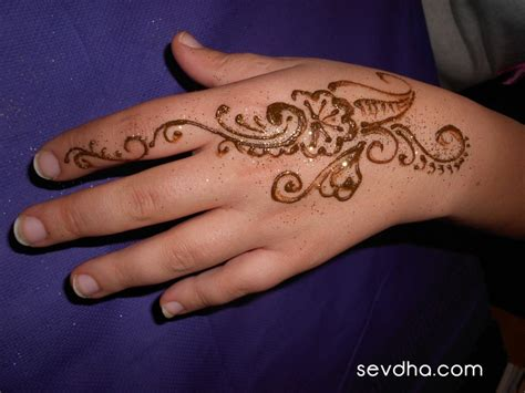 back of hand tattoo designs henna back makedes