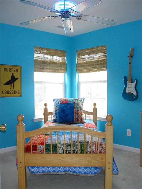 surfer bedroom blue tropical boy s bedroom with surfer theme hgtv