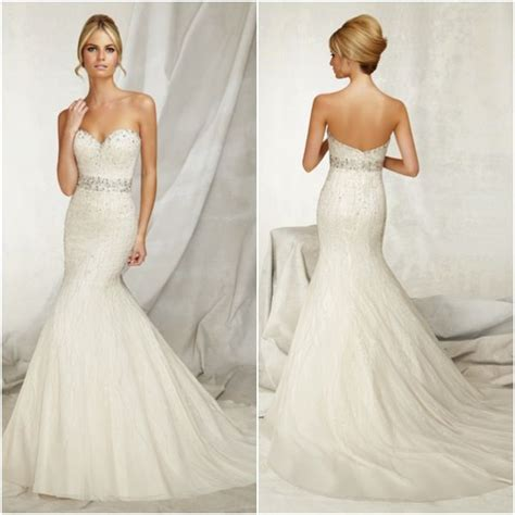 Wedding Hairstyles With Sweetheart Neckline by A New Take On The Sweetheart Neckline With Wedding Dresses