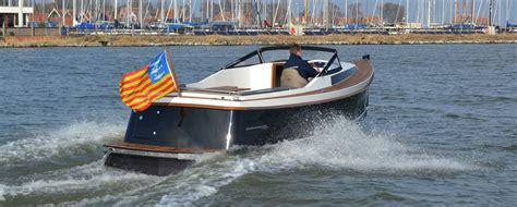 bobsloep te koop hiswa boat show is een sloepenmekka jachtbouw actueel