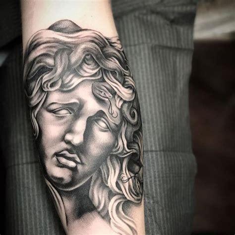 omkara tattoo best 25 medusa ideas on medusa drawing