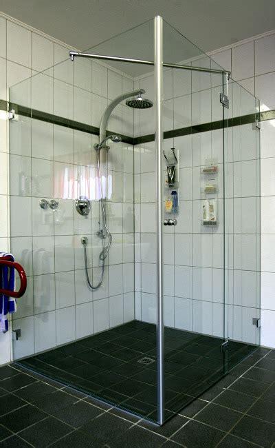 behindertengerechte dusche fishzero badewanne dusche behindertengerecht