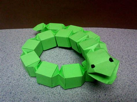 Snake Origami - modular origami block snake by theorigamiarchitect on