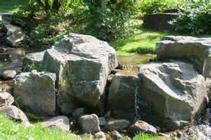 gartengestaltung mit findlingen boulder landscaping the sensible gardener