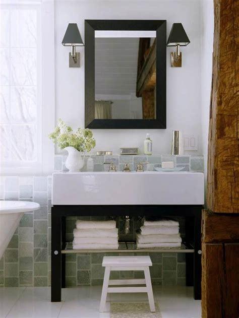 badezimmer eitelkeiten 42 1000 ideen zu badezimmerschr 228 nke grau auf