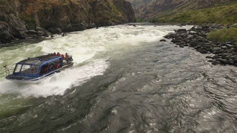 hells canyon jet boat hells canyon wild sheep rapids in a jet boat youtube