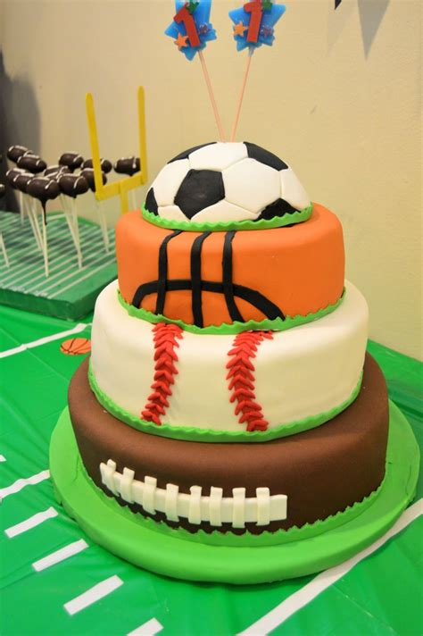 sports themed cake decorations best 25 sports birthday cakes ideas on sports