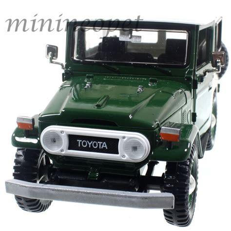 Diecast Toyota Land Cruiser Fj40 Krem motormax 79323 toyota fj40 fj 40 land cruiser 1 24 diecast model car green model car models
