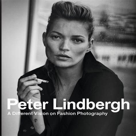 libro peter lindbergh a different peter lindbergh la mostra e il libro amica