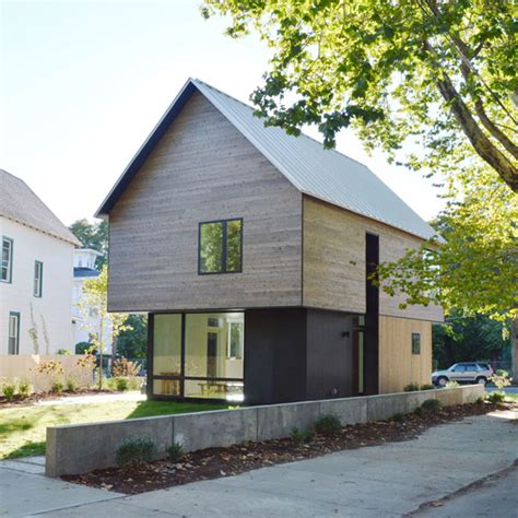 yale housing a cedar home by yale architects offers unique take on