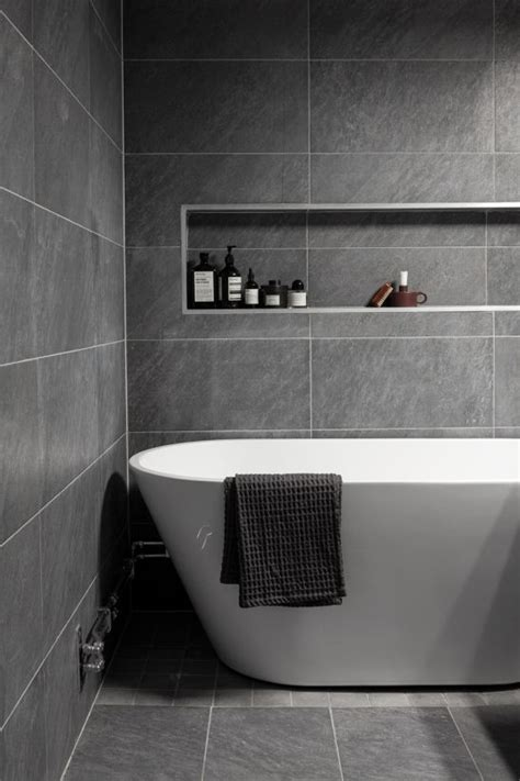 grey and white bathroom tile ideas 25 best ideas about grey white bathrooms on