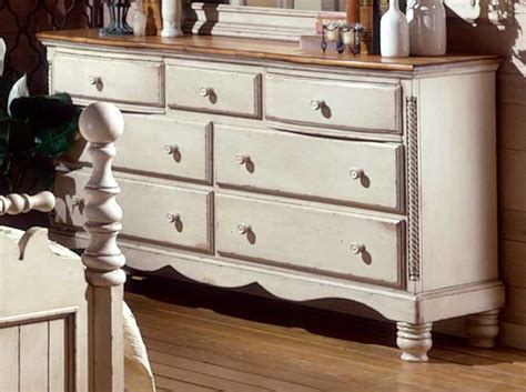 hillsdale wilshire dresser antique white 1172 717