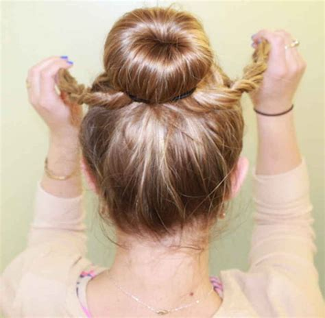 hairstyles with hot buns 3 under 5 minute hairstyles for hot messes like me
