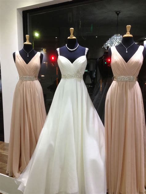 How to match bridesmaids' dresses with your wedding gown