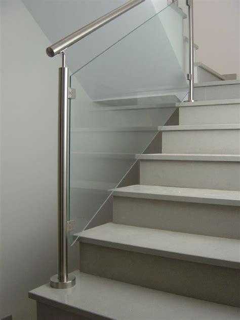 escaleras metalicas interiores m 225 s de 25 ideas incre 237 bles sobre barandas para escaleras