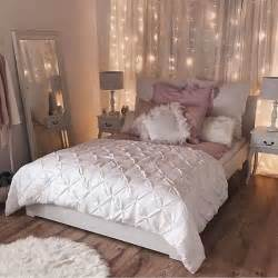 white lights in bedroom 25 best ideas about pink accents on coloured
