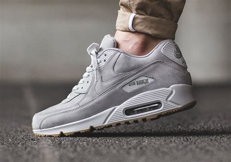 Nike Airmax90 Suede the nike air max 90 winter in grey suede sneakernews