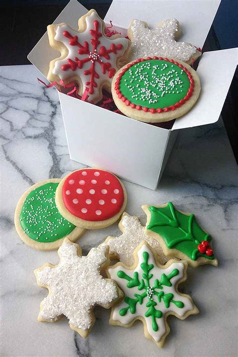 pictures of decorated christmas cookies using royal icing the ultimate guide to royal icing for decorating cookies foodal