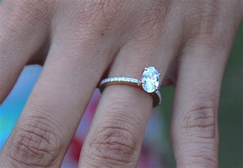 Oval Diamond Engagement Rings   Must Read Before Buying