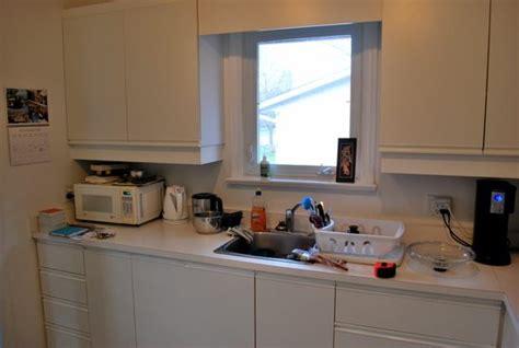 Refinishing Melamine Kitchen Cabinets How To Paint White Melamine Kitchen Cabinets Home Everydayentropy