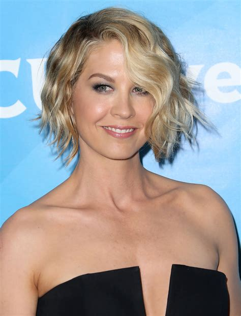 does jenna elfmans hair look better long or short jenna elfman short wavy cut short hairstyles lookbook