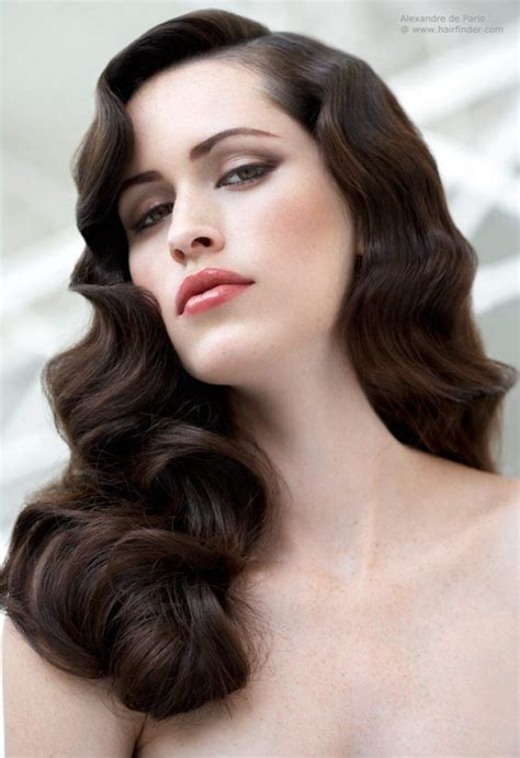 hairstyles of the 20s 30s and 40s it girl style vintage curly hairstyles pretty designs