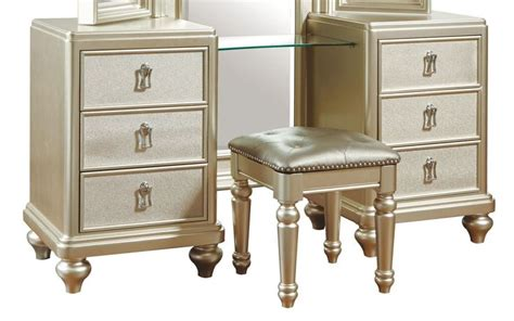 vanities places and stools on pinterest lil diva metallic vanity dresser with stool want
