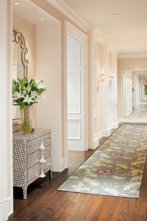 ways  decorate  narrow hallway goeruentueler ile