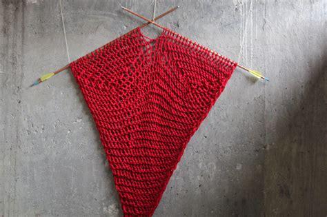 knitting pattern line marker shot through the heart knit wall hanging pattern hands