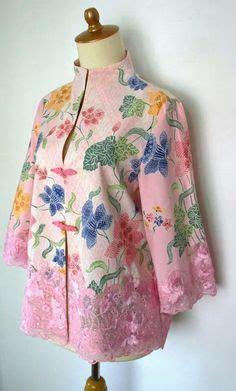 Midi Blazer Batik Songket Imma the pleats are in beige net fabric with spiral thread work