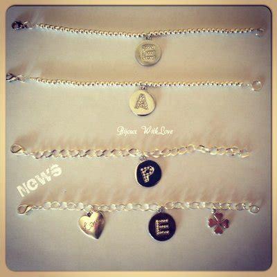 lettere per bracciali bracciali con lettera strass gioielli bracciali e