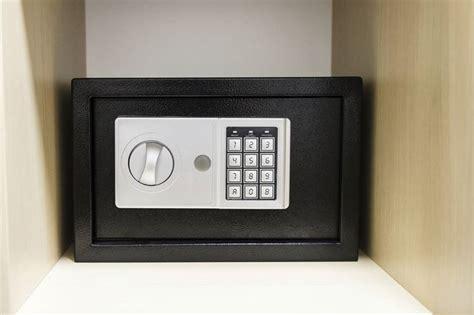 cassaforte per armadio cassaforte da armadio serrature vantaggi cassaforte da
