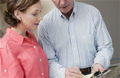 how much money does an interior designer make how much money do interior designers make per year