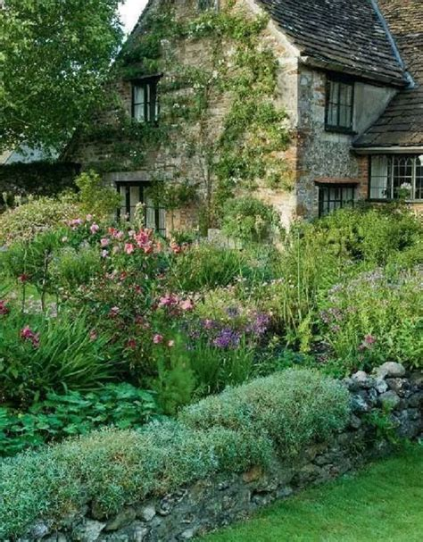 cottage gardens 25 best ideas about cottage gardens on