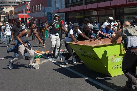 Idomeneo Without Violence Almost by Thousands In Fees Must Fall March On Parliament Groundup