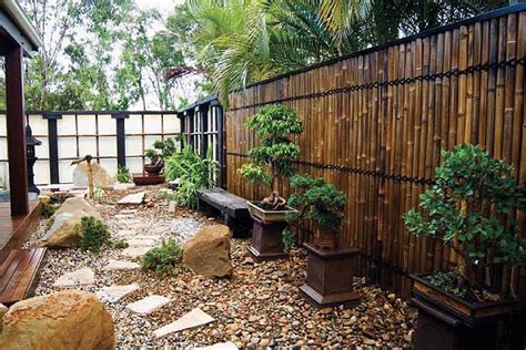 Backyard Bamboo Fencing by 20 Amazing Bamboo Fence Ideas To Beautify Your Outdoors