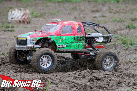 monster mud trucks videos pin rc mud bog on pinterest