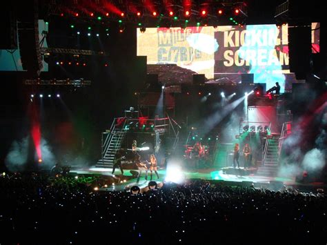 best of both worlds tour wikipedia file miley cyrus in rio de janeiro 7 jpg wikimedia commons