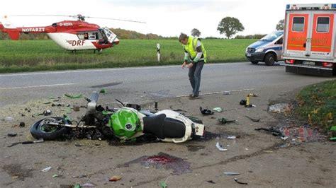 Motorradunfall Hamburg Heute by Motorradfahrer Und Begleiterin Sterben Bei Unfall Auf B76