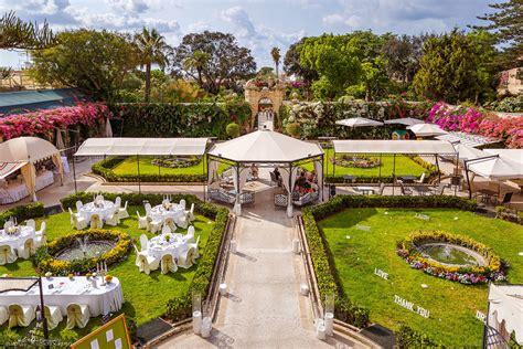 garden decoration malta palazzo parisio wedding elliot nichol photography the