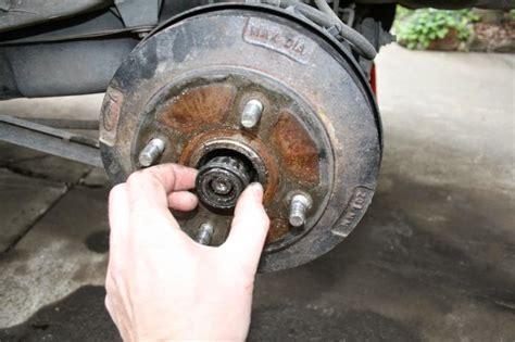 Shockbreaker Belakang Ayla langkah langkah melakukan penggantian bearing roda mobil