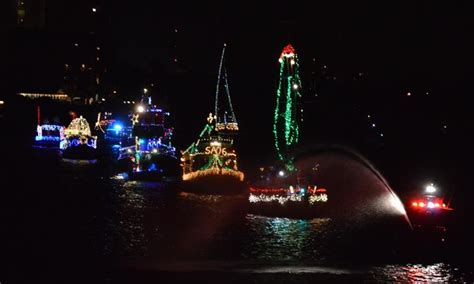 boat parade winter festival in the park st petersburg - St Pete Boat Parade 2017