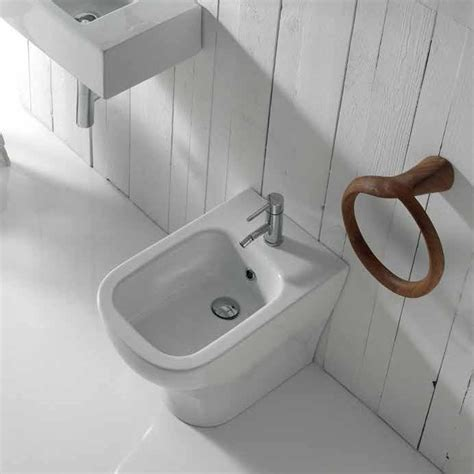 Bidet Design by Bidet Monoforo Plus Design