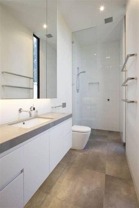 badezimmer vanity makeover ideen badezimmer fliesen ideen braun gispatcher