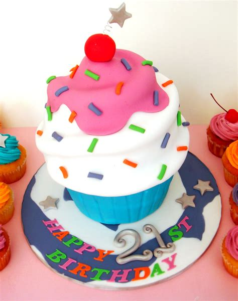 Cupcake Cake by Butter Hearts Sugar Cupcake Cake And Cupcakes