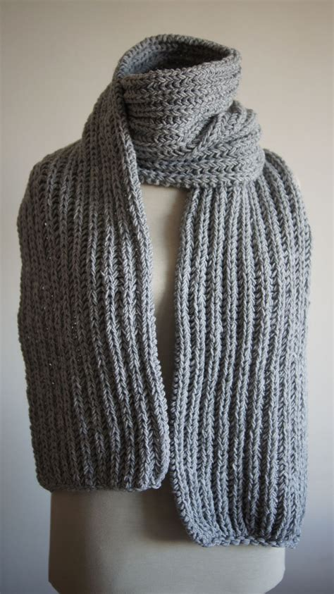 stricken schultertuch s chunky knit scarf for autumn winter seen here in